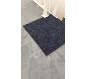 Remoção e descarte de carpete em placa